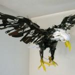 Artista Sayaka Ganz transforma lixo em belas esculturas