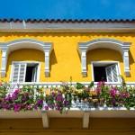 A ousadia do amarelo na fachada