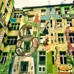 Pátio colorido e criativo