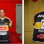Ganhador da camisa do Criciúma Esporte Clube de Brasília (DF) recebe o prêmio