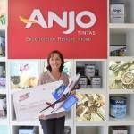 Joelma Deolindo visita a Anjo e recebe o prêmio Anjo no Jogo