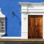 Aposte nas cores vibrantes para fachadas