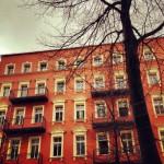 Prédios com fachadas coloridas