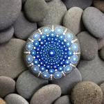 A beleza da arte colorida em pedras
