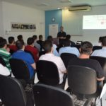 Clientes da Anjo Tintas participam de evento para buscar conhecimento sobre solventes para impressão